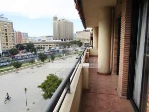 Piso en calle Alameda de Colon