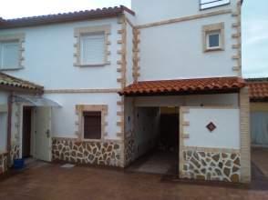 Casa pareada en calle Tenerias