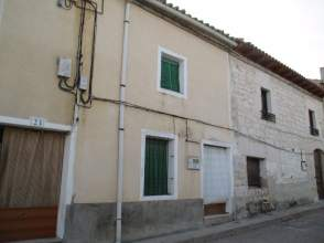 Casa adosada en calle Arenales