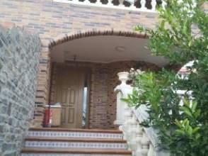 Chalet pareado en calle Urbanizacion El Encinar, Par. 3D