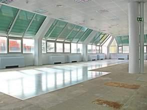 Locales y oficinas de alquiler en san pascual distrito for Alquiler oficinas madrid capital