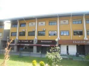 Locales y oficinas de alquiler en montequinto el colmenar for Oficina electronica dos hermanas