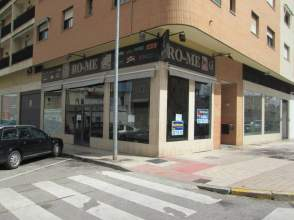 Local comercial en Avenida Ricardo Carapeto
