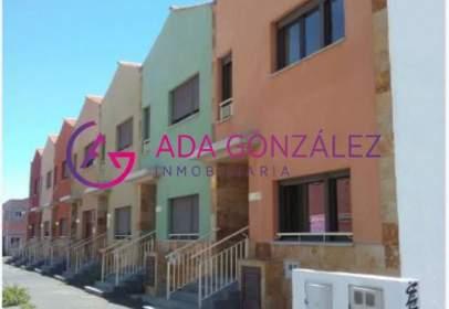 Casa pareada en calle Segovia, nº 67