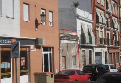 Terreno en calle de Aragón
