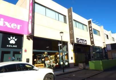 Local comercial a calle de Módena, nº 19
