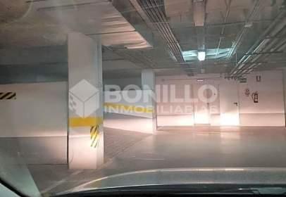 Garatge a calle Ramón J. Sender