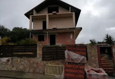 Chalet en calle del Castillo de Escalona, nº 8