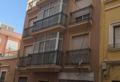 Dúplex en calle Ramos, cerca de Calle Restoy