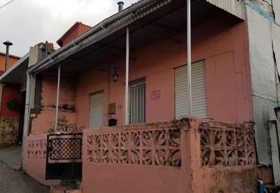 Xalet a calle Igrexa-Lavadores, nº 6
