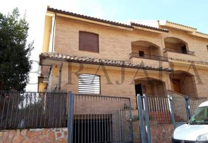 Casa aparellada a calle Florencia