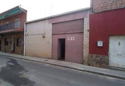 Nave industrial en calle de Santiago