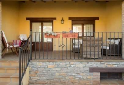 Casa adosada en Rubielos de Mora