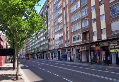 Piso en Avenida Cataluña, cerca de Calle de Pascuala Períe