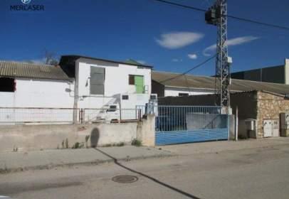 Industrial building in Camino de la Vega