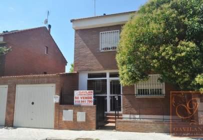 Casa adossada a calle La Picaza