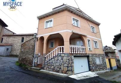 Casa en Muñana