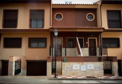 Casa adosada en calle del Ebano