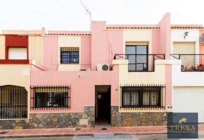 Duplex in calle jose Moncada Calvache