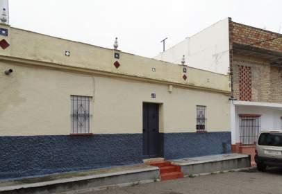 Casa en calle de Isaac Peral, cerca de Calle de las Torres