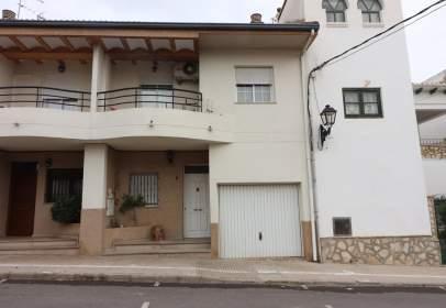 Casa adosada en calle C/ Reverendo José Vinat