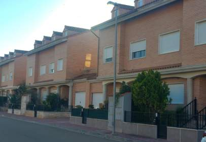 Casa adossada a Urbanización Peñas de Herrera