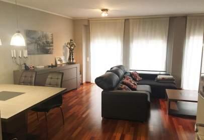 Duplex in Plaça del Mòssen Jacint Verdaguer