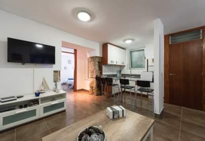 Apartment in calle de Santiago Tejera Ossavarry, near Calle Marina