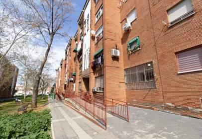 Flat in calle de Ramón Carande, nº 4