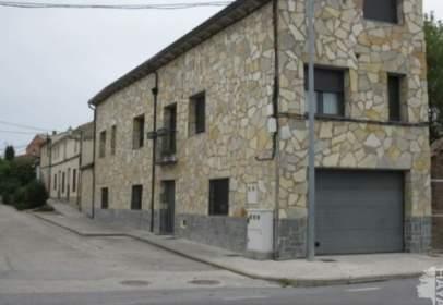 Casa adosada en calle Garcillán