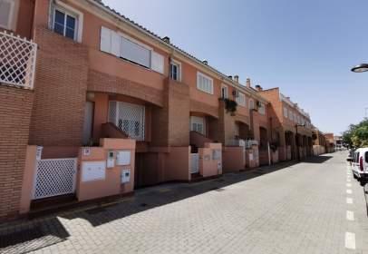 Casa adosada en calle Pitágoras