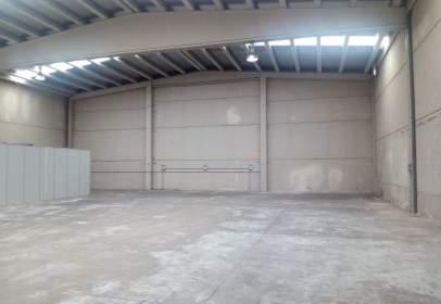 Industrial building in calle de los Alfareros