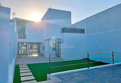 Chalet en Malaga Este, Pedregalejo, Villa de Diseño , Nueva, Calidades