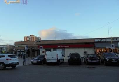 Local comercial a calle Oliva de Plasencia