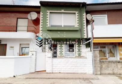 Casa adosada en calle Mazo de Abajo, nº 2