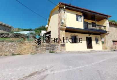 Casa en calle La Castañera
