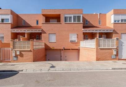 Duplex in calle Hermanos Siret