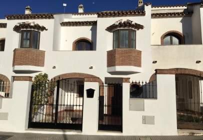 Casa adosada en calle Al- Andalus