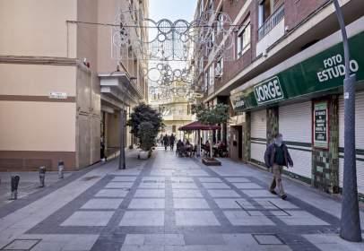 Piso en calle Reyes Católicos, nº 28