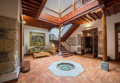 Casa adossada a Vegueta-Triana
