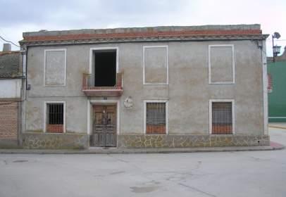 Chalet en calle de Ángel Sáez Torrecilla
