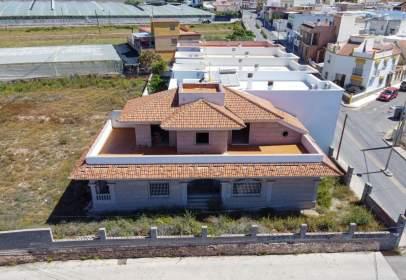 Casa en calle Llano de Vilchez