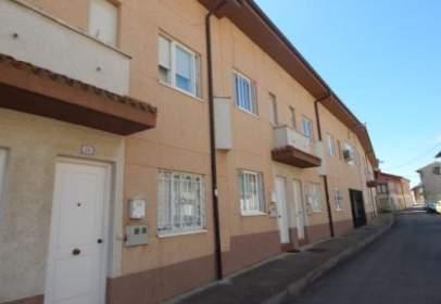 Casa adosada en calle Paz
