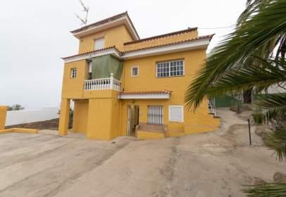 Pis a calle Acentejo, 134, prop de Calle de la Guía
