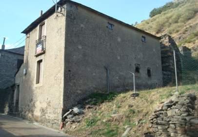 Casa en Murias de Paredes