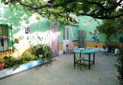 Casa en Zona: Avda Antonio Huertas / Próxima A Institutos