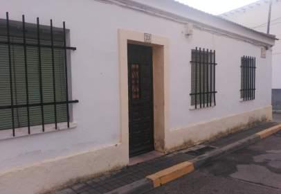 Casa adossada a calle de Alameda