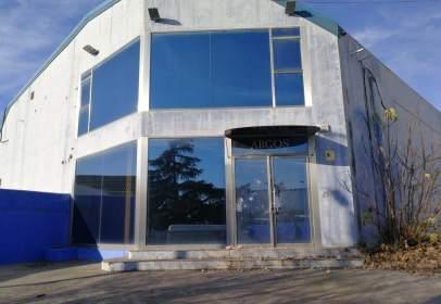 Industrial Warehouse in Avenida de Chinales, nº 27