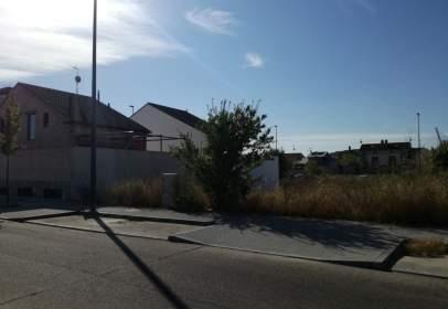 Terreno en calle Jacinto Benavente