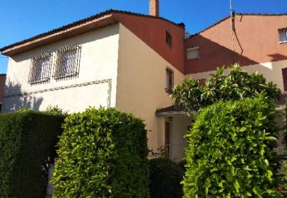 Paired house in calle Ermita